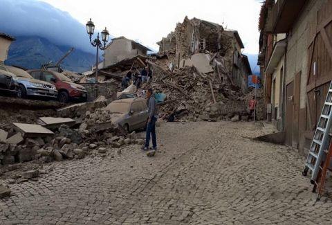 Πανίσχυρος σεισμός ισοπέδωσε τα ξημερώματα την Ιταλία! Νεκροί και εγκλωβισμένοι στα ερείπια...