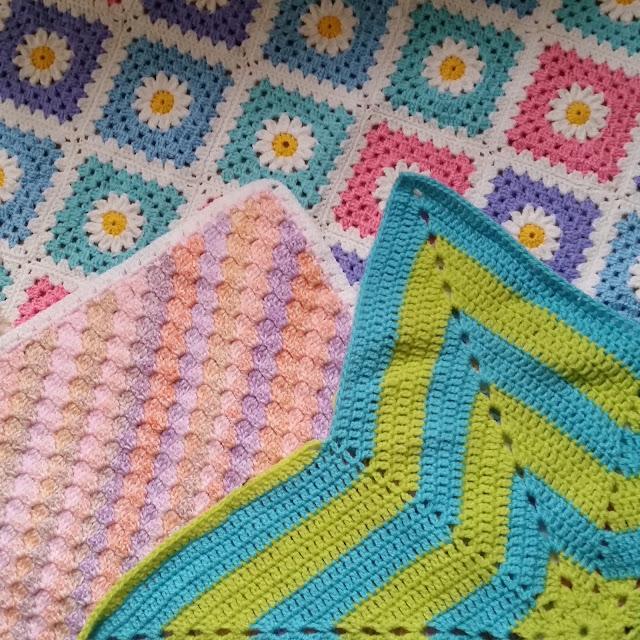 inked hibiscus designs crochet blankets
