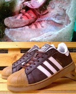 Mumi Berusia 1.500 Tahun Ini Mengenakan Sepatu 'Adidas'?