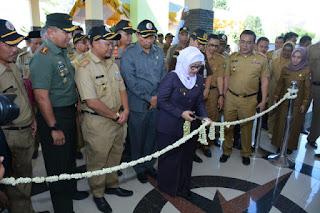 Bupati Indramayu Hj. Anna Sophanah