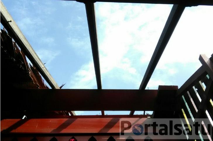 Atap Rumah Cut Nyak Dhien Rusak Akibat Hujan Deras dan Angin Kencang