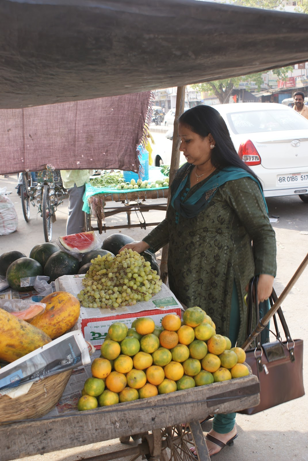 IndiaLiving: INDIA LEERY OF GENETIALLY MODIFIED FOODS