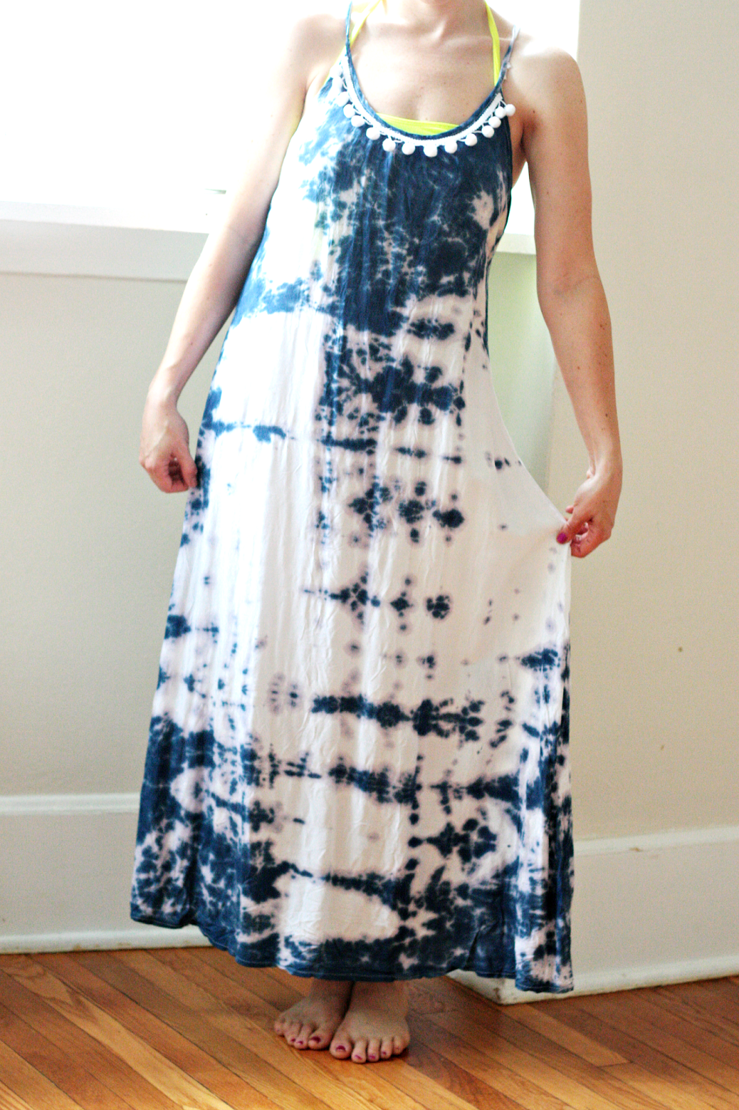 10 DIY Tie Dye Projects to Make + featured by Top US Craft Blog + The Pretty Life Girls: DIY Embellished Tie-Dye Maxi Dress
