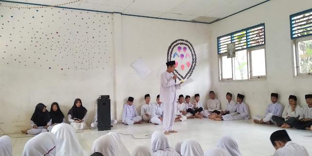 Peringatan Maulid Nabi Muhammad SAW Di MTs Nurul Huda Rokan Hulu, Riau