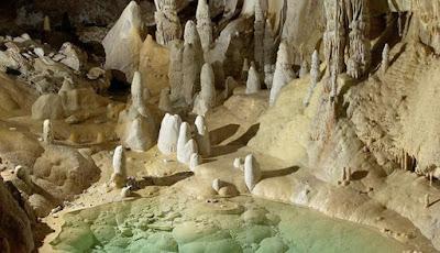 Bakteri Superbug Prasejarah ditemukan di Gua Terdalam