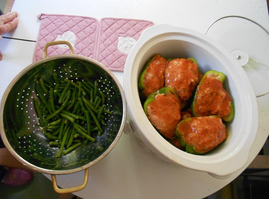 Crock Pot Stuffed Peppers and Fresh Green Beans for Dinner Image