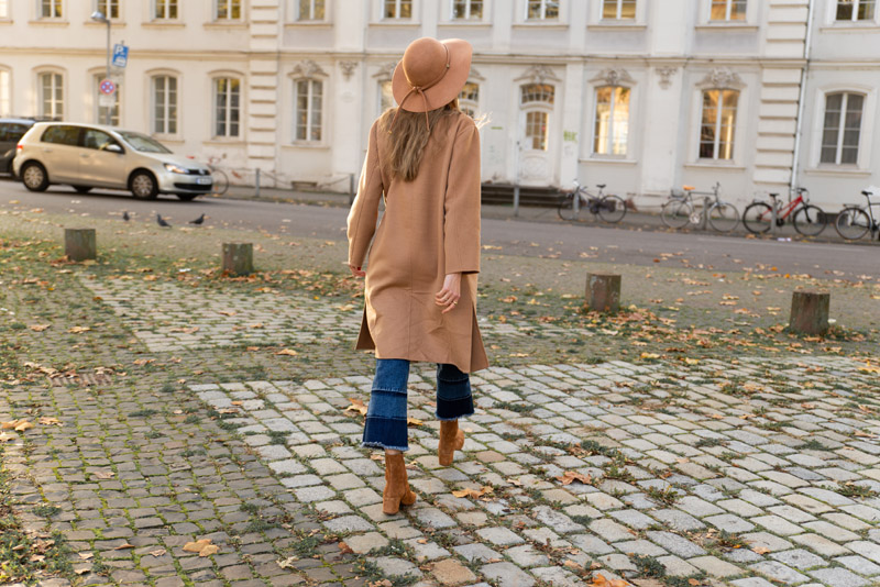 sezane style outfit what does french girls wear for fall