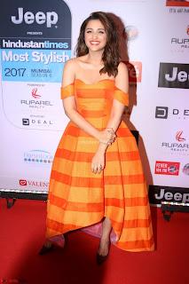 Red Carpet of Most Stylish Awards 2017 ~ Parineeti Chopra (4).JPG