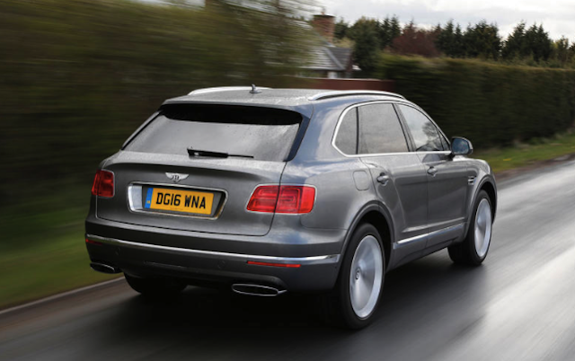 2017 Bentley Bentayga vs. 2016 Land Rover Range Rover SVAutobiography