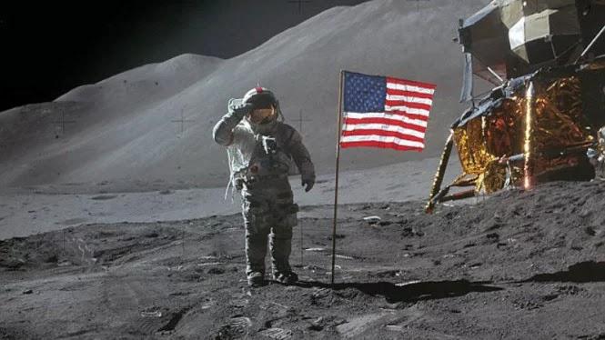 Teori Konspirasi: Apakah Manusia Sungguh Mendarat di Bulan?