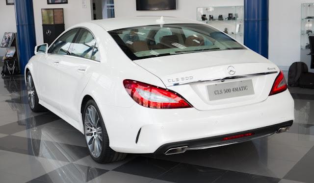 Đuôi xe Mercedes CLS 500 4MATIC thiết kế góc cạnh, thể thao