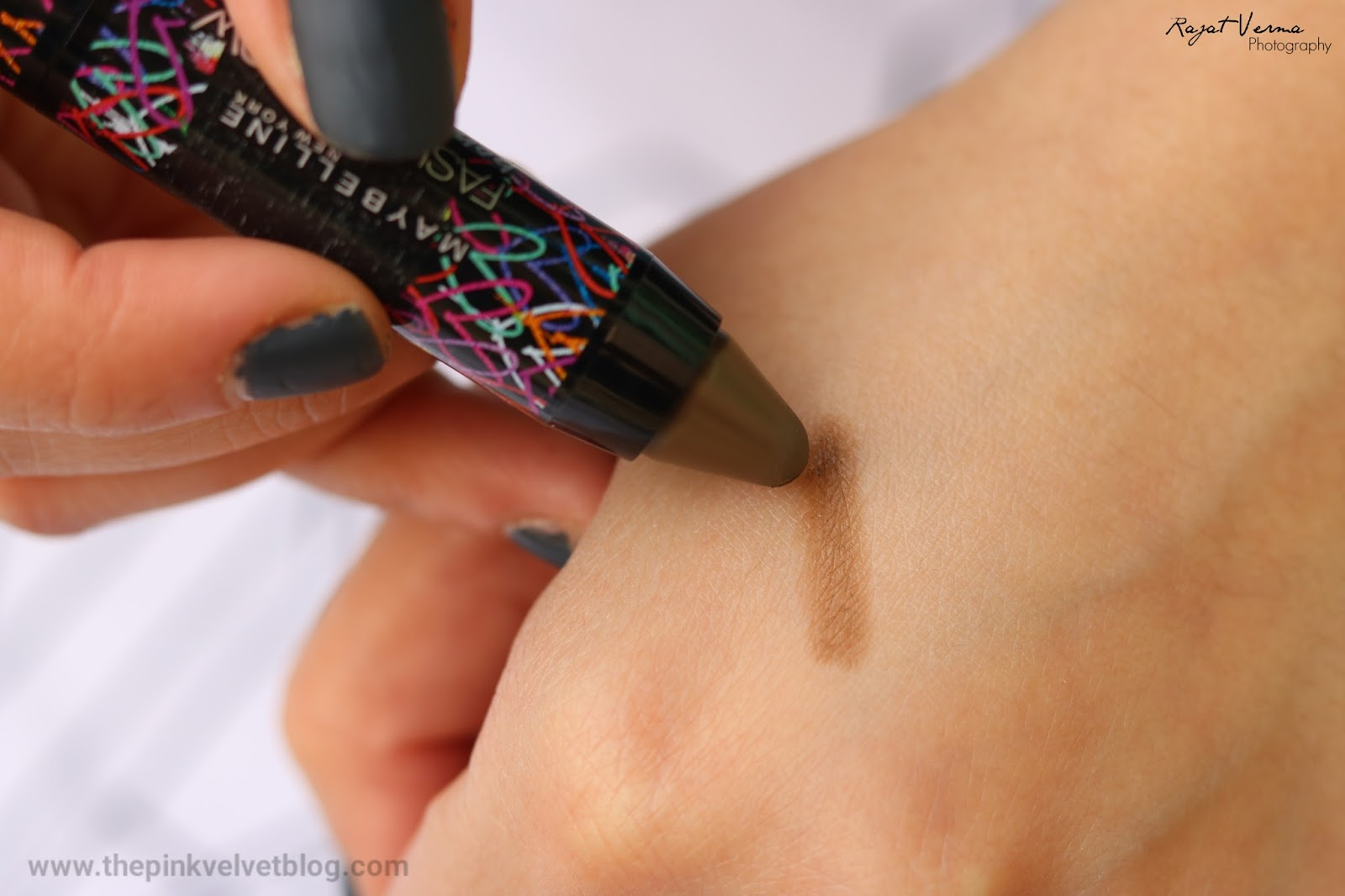 Maybelline Graffiti Collection Brow Crayon - BR 1 - Swatch
