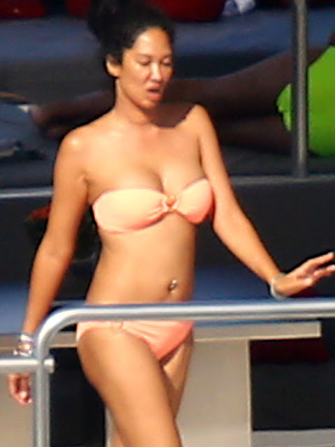 Boobs Ming Lee Simmons Naked Gif