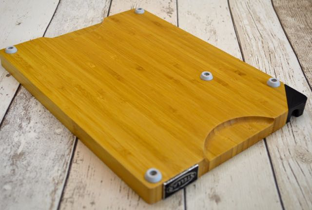 The under neath of the Stellar Cookware Bamboo Chopping Board