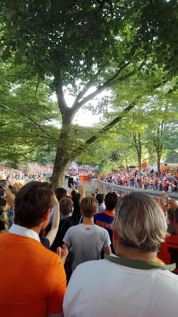 Huldiging damesvoetbalelftal in Utrecht na het winnen van de finale op 6-8-2017.