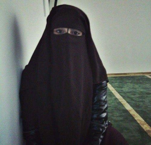 أشواق ناصر موظفة سعودية من جدة تبحث عن زوج جاد تقبل زواج مسيار وتعدد
