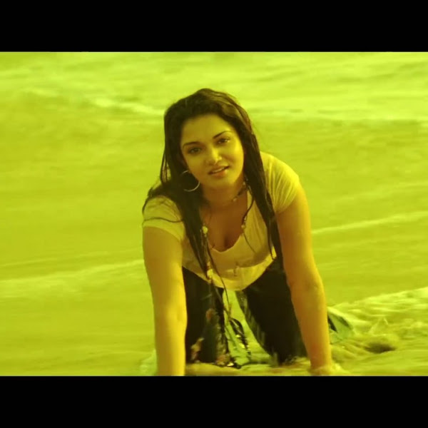 Honey Rose aka Dhwani hot photos from Tamil movie Kantharvan