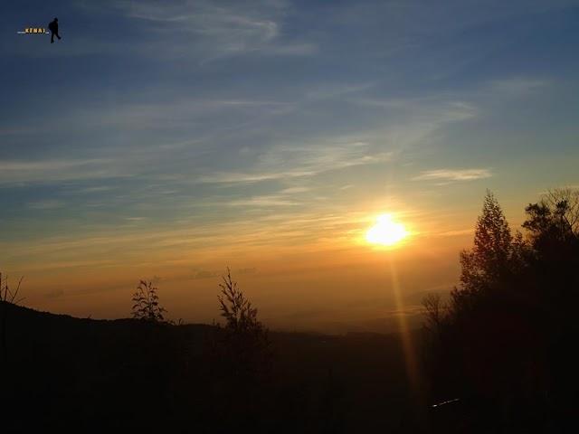 Golden Sunrise di Sikunir