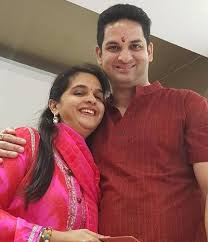 Vikaas Kalantri Family Wife Son Daughter Father Mother Age Height Biography Profile Wedding Photos
