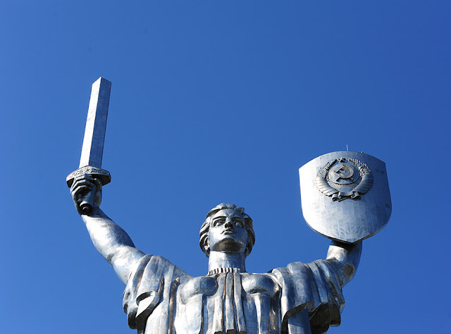 Kijev - kaj početi. kip Motherland