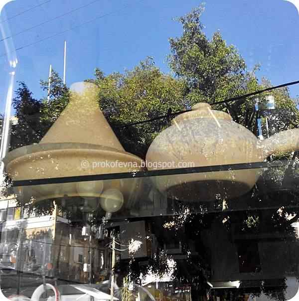 window storefront clay pots Soltam