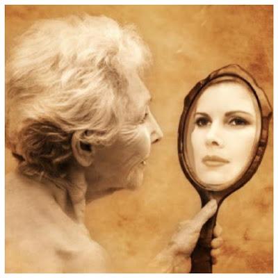 http://3.bp.blogspot.com/-EzgQWtJofhs/VnDXORSQuoI/AAAAAAAABcM/kEis1Tc1vdQ/s320/Optimized-mujer-mayor-frente-al-espejo.png