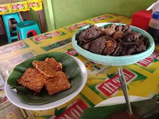 Makanan Pendamping (Side Dish) Nasi Gandul Bu Endang