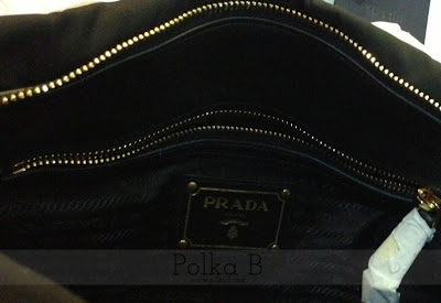 17e95b363f08 ... france prada tessuto nylon soft calf leather top handle bag bn1903  competitive price 67bf6 2566a 20db4