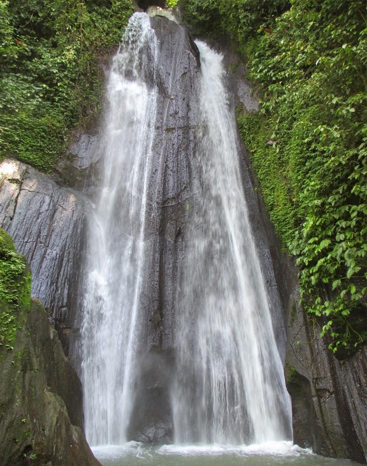 Tempat Wisata Air Terjun Dusun Kuning Bangli