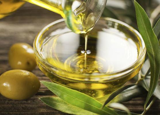 azeite de oliva no cabelo