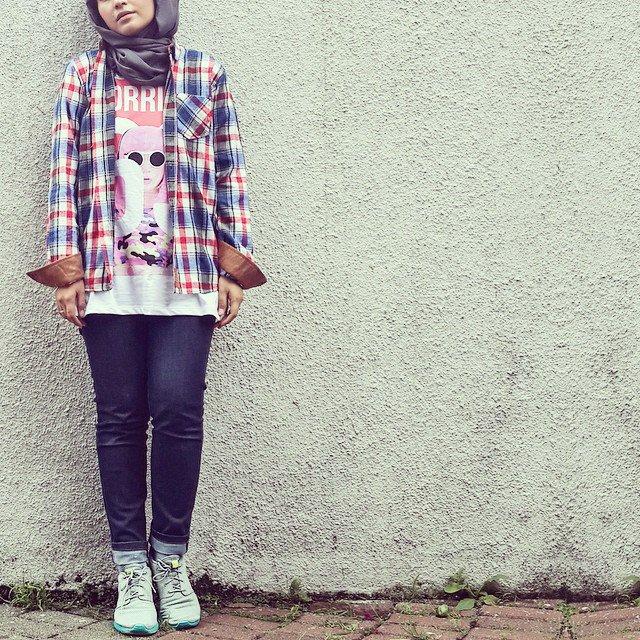 10 Gaya Perpaduan Hijab dan Celana Jeans Modern