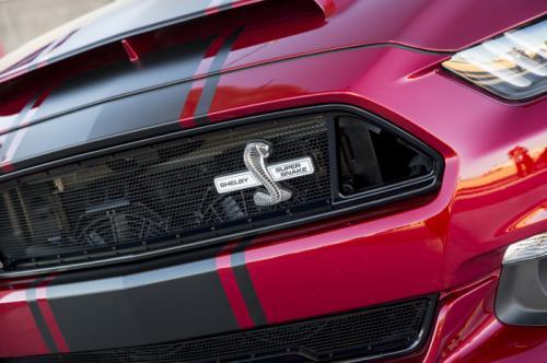 Siêu xe Ford Shelby Super Snake 02
