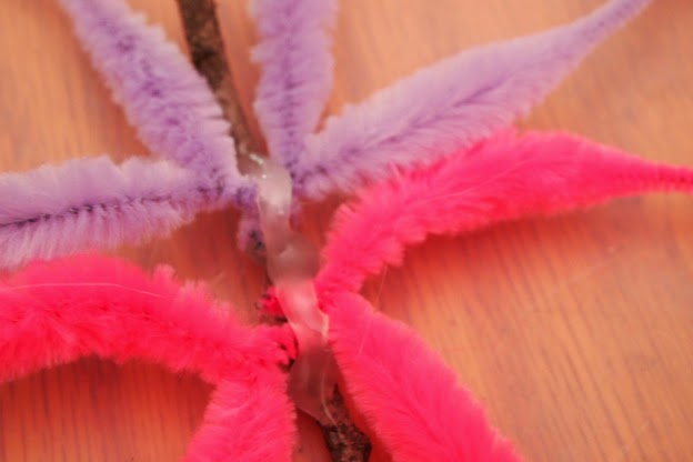 #kidscraft #DIY Dragonfly @mvemother Step 2