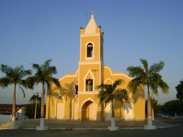 http://3.bp.blogspot.com/-F-PAUQFAhsw/UAlmtr3bZGI/AAAAAAAAAnw/NyQH2YKDLTQ/s1600/igreja+matriz+2012.jpg