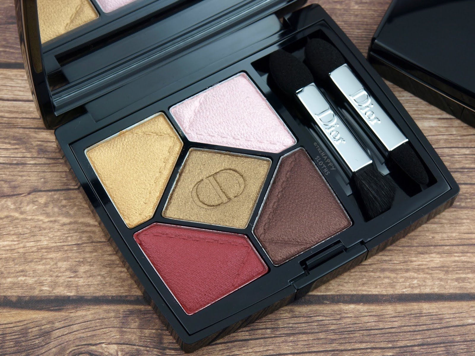 "Dior Fall 2018 Dior en Diable Collection | 5 Couleurs Eyeshadow Palette in ""837 Devilish"": Review and Swatches"