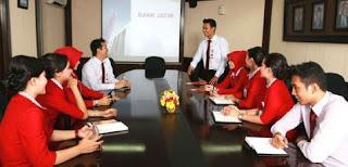 Gaji Pegawai Bank Jatim,gaji teller bank jatim,pegawai bank jatim,gaji bank jatim,bank jatim,gaji customer service,gaji analisis kredit,gaji karyawan,status karyawan,gaji pegawai,
