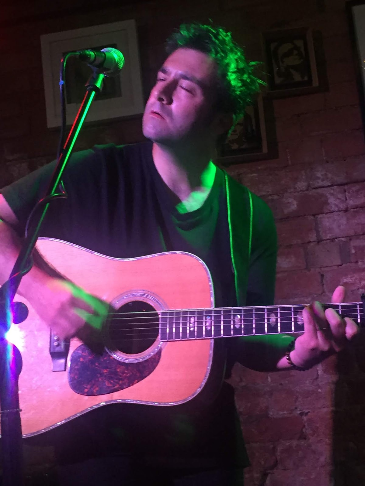 Three Chords And The Truth Uk Gig Review Ben Glover Kitchen