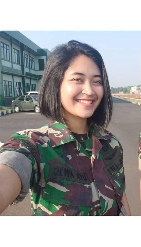 Potret Cantik Wanita Pemberani Dari Tentara Dan Kepolisian