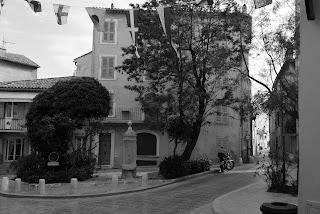 Place des Remparts - Saint-Tropez