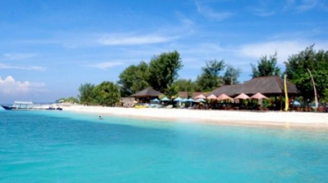 pantai Senggigi di Pulau Lombok Tempat Wisata Terpopuler dan Terbaik Di Indonesia