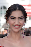 Sonam Kapoor looks stunning in Cannes 2017 040.jpg