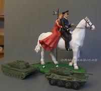 statuette sposi a cavallo statuine sposa vestito rosso cake topper carri armati