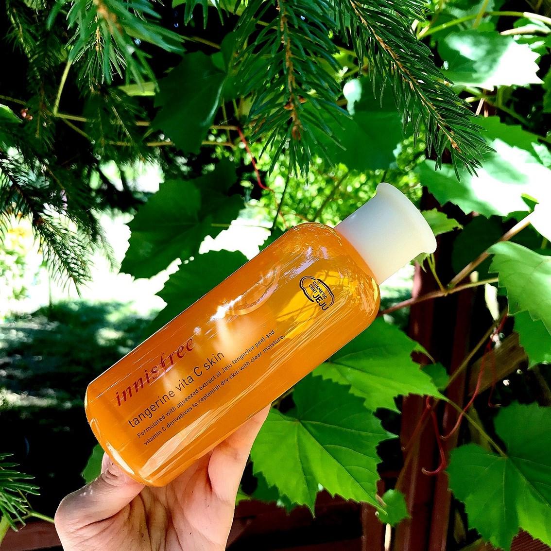 zdjęcie przedstawiające Innisfree Tangerine Vita C Skin