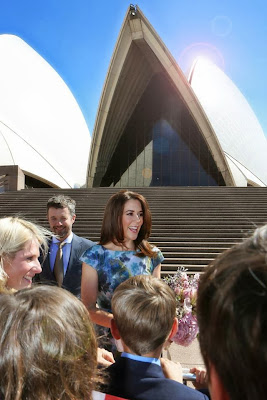 Denmarks-Crown-Prince-Couple-arrive-in-Sydney-2.jpg
