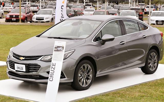 Novo Chevrolet Cruze 2017 - cinza