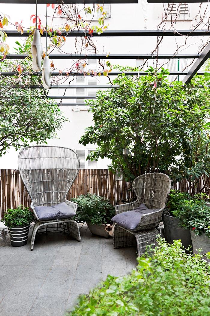 muebles terraza de ratan patio interior plantas cuidar plantas estilo nordico alquimia deco interiorista barcelona