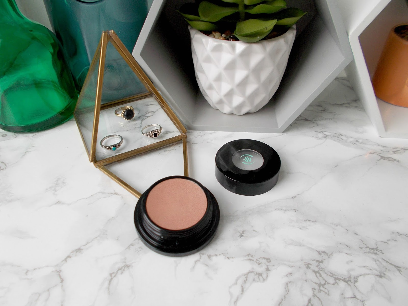 Vincent Longo Water Canvas Highlighter in Mermaid Muse review creme to powder