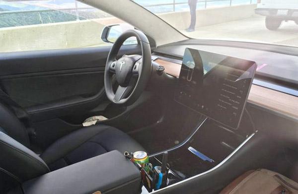 Burlappcar 2018 tesla model 3 interior for Interior tesla model 3
