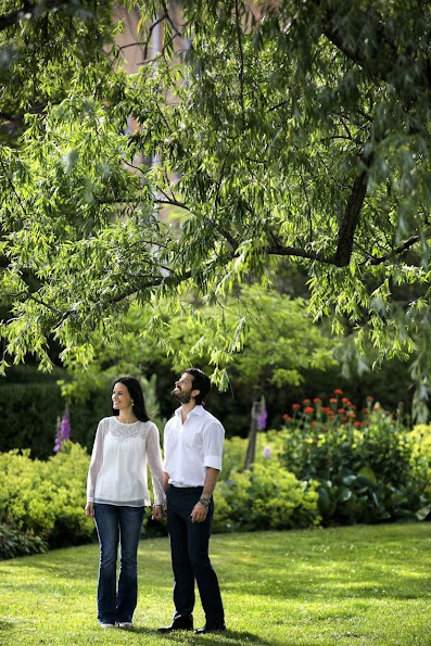 Prince Carl Philip and his fiancée Sofia Hellqvist gave a interview to the Swedish newspaper Dalarnas Tidning