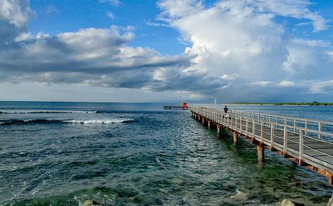 tempat wisata tanjung lesung beach